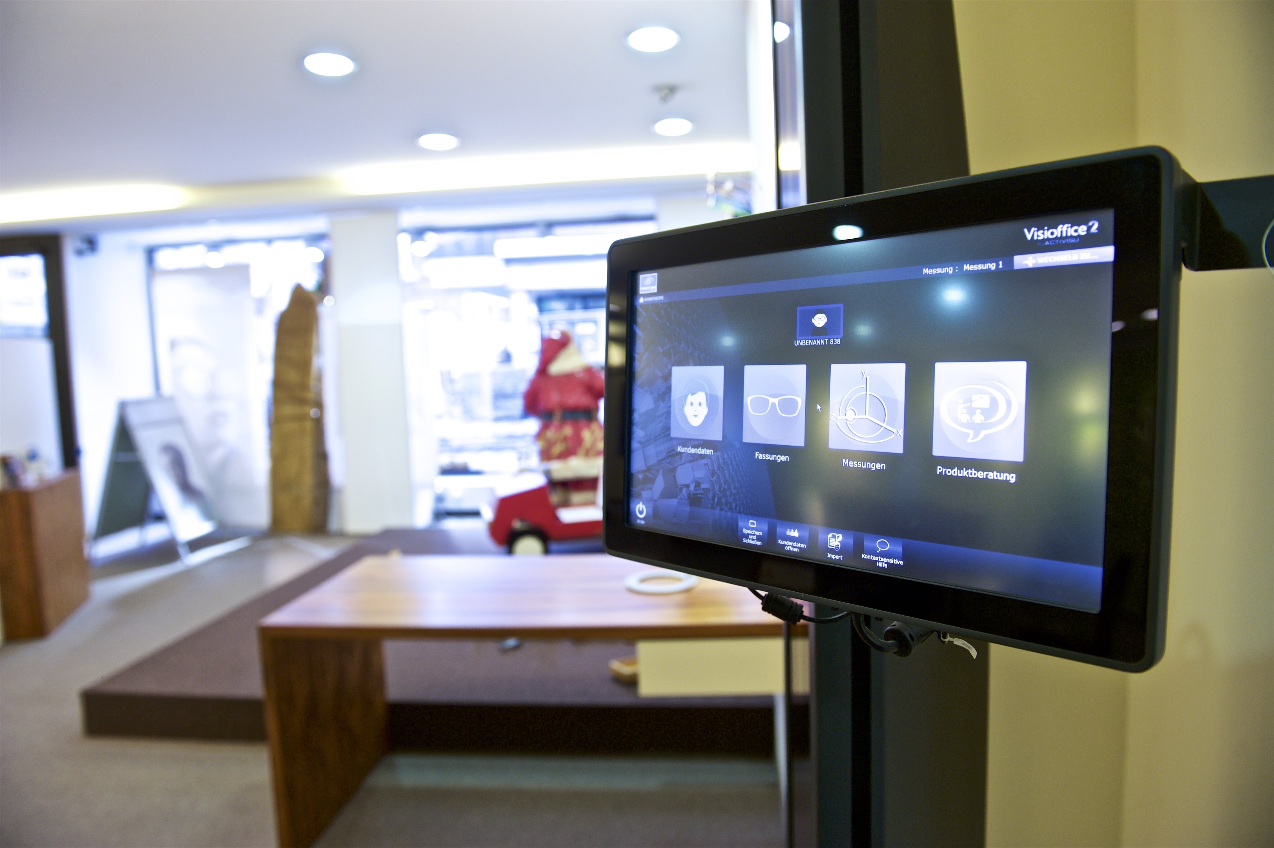 Touchscreen bei Optiker Tewes